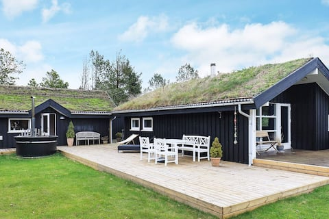 Spacious Holiday Home in Jutland with Outdoor Whirlpool