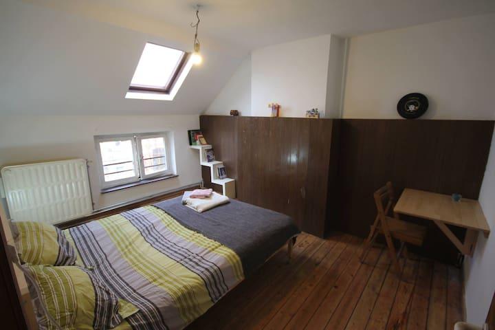 Cozy place in vibrant Saint- Gilles! - Saint-Gilles - Huis