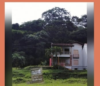 Cauca Viejo, Las Mañanitas, rodeada de naturaleza