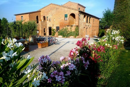 Montepulciano holiday experience, two bedrooms