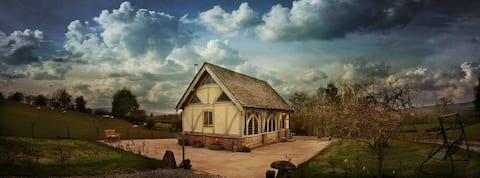 Ebony Cottage