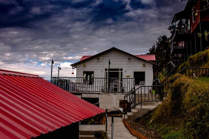 Luxury cottages stay at dalhousie.