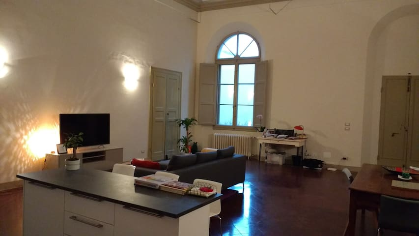 Historic City Centre Apartment - Faenza - Departamento