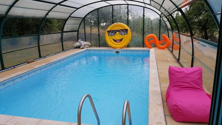 Petite maison de famille avec piscine