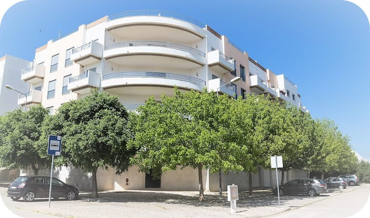 A spacious modern T2 apartment in Tavira