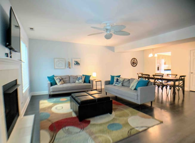 Coastal Coral 2BR/2.5BA 2 blks to Boardwalk/Beach