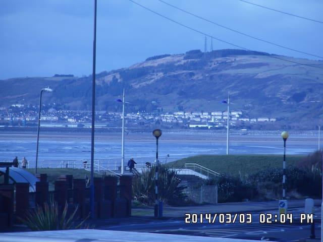 Aberavon Beachside Studio Flat - Port Talbot - Flat