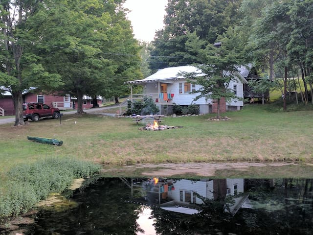 The spring water pond in front of the Watercress Cottage