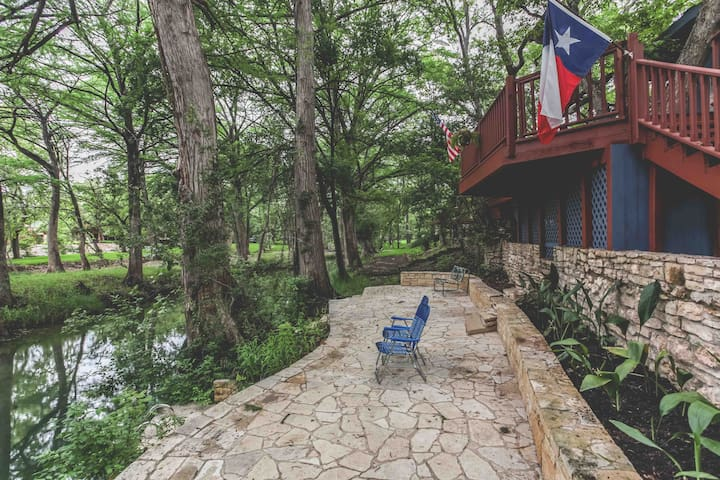 Creekside Living- Swimming Hole & Giant Cypress!!