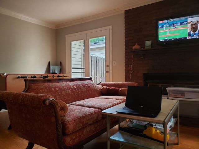 2 bedrooms and private bath in Cool Springs condo