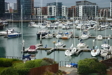 Pacific Close, Ocean Village, Southampton - 公寓