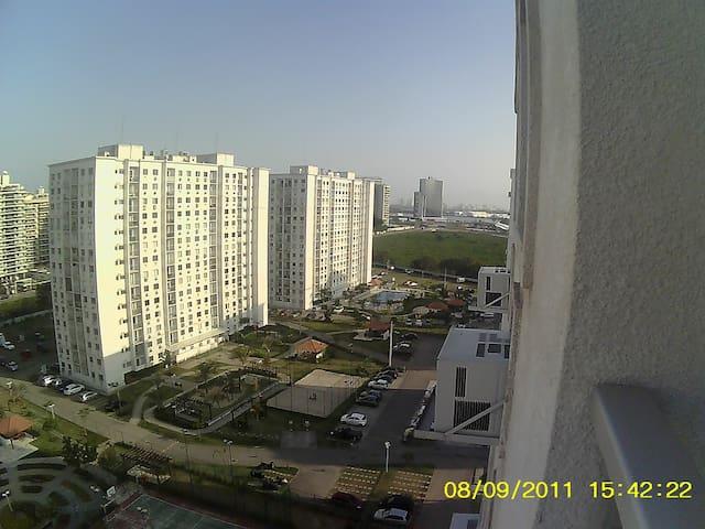 Apartamento confortável,2qts, na Barra da Tijuca. - State of Rio de Janeiro - Daire