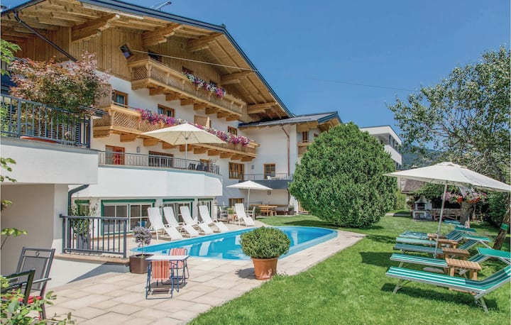 Amazing home in Wagrain with Sauna and 2 Bedrooms