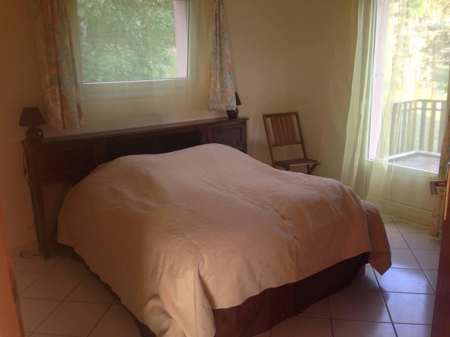 Chambre 2 un lit deux places