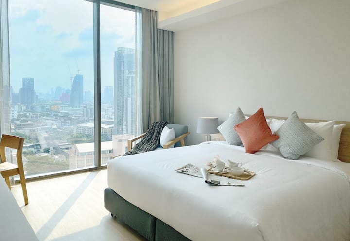 Premier Apartment @Oakwood Suites Bangkok