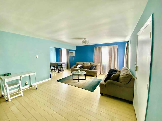 By LAX 1 Mi to SoFi Stadium Front House 2BR 4Beds