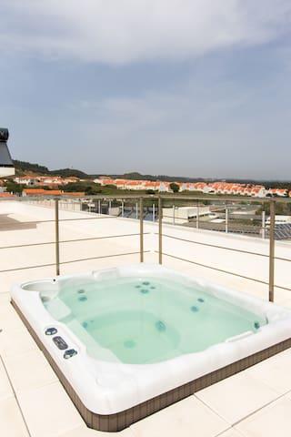Rooftop Pool Jacuzzi