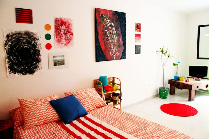 Lovely art flat in the city center - Málaga - Huoneisto