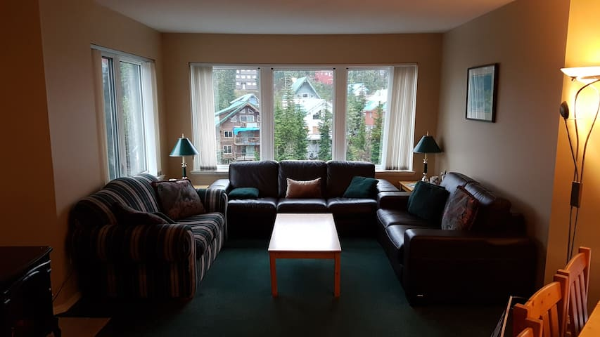 Blueberry Hill slopeside 3 bedroom condo - Comox-Strathcona C