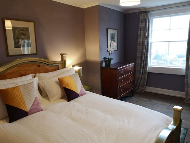 king size bed and amazing views across Bath