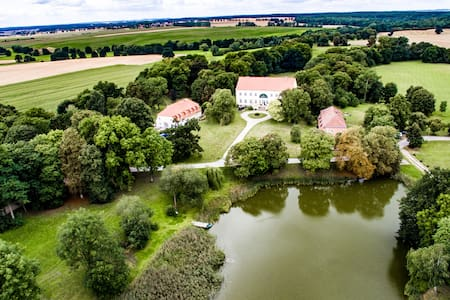 Historisches Kutscherhaus 5 SZ 10-14 Personen - Duckow - Villa