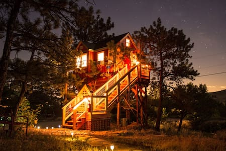 Little Red Treehouse