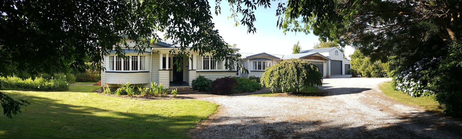 Country Retreat Studio close to city - Puketaha - Talo