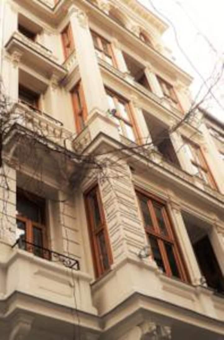 Aslan Residence is located in centre of Istanbul