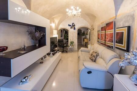 Casa Calice - casa storica in tipica borgata - Calice Ligure