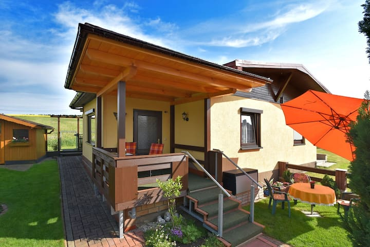 Maison cosy à Großbreitenbach, vallée de Schwarza proche