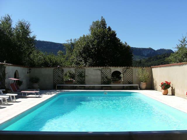 Le Caussigne, 1h Carcassonne,1h30mins Toulouse - Rivel - Haus