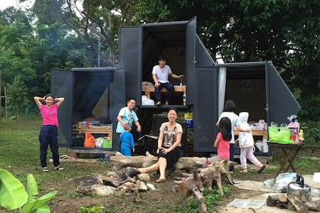 3Honeycomb Pods for 3 Families Glamping in Orchard - Raub