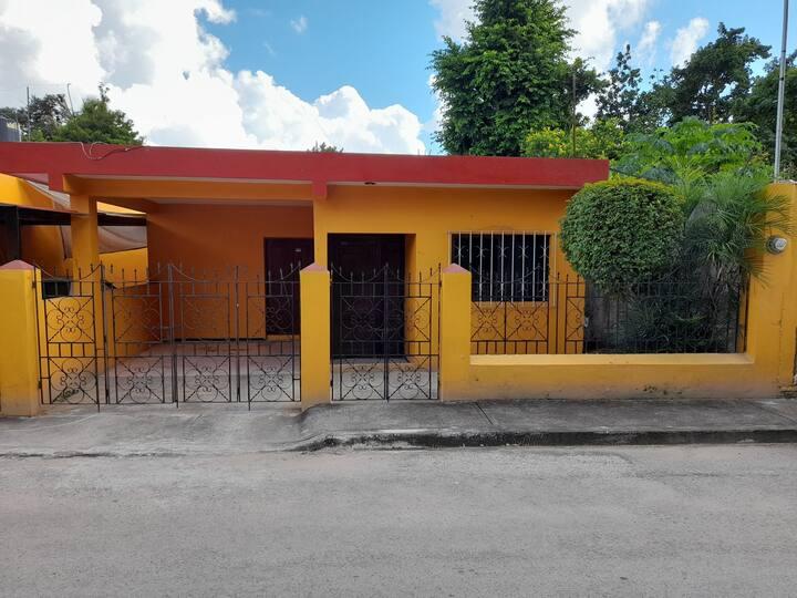Casa amplia a 2 cuadras del centro histórico.