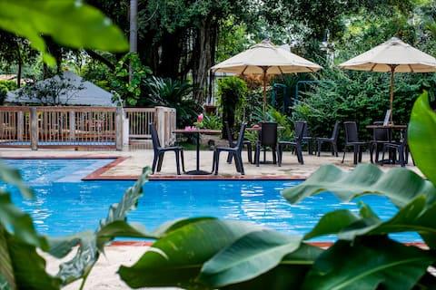 Black Forest Hotel An Oasis Cartagenan lähellä.