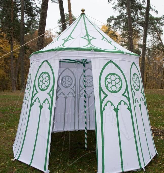 красивый и богатый шатер до 4 человек
