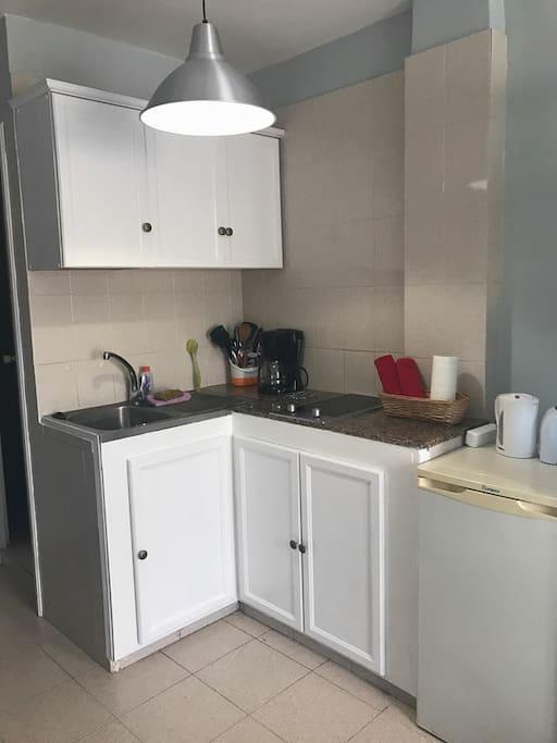 die Küchenzeile im Studio Lola