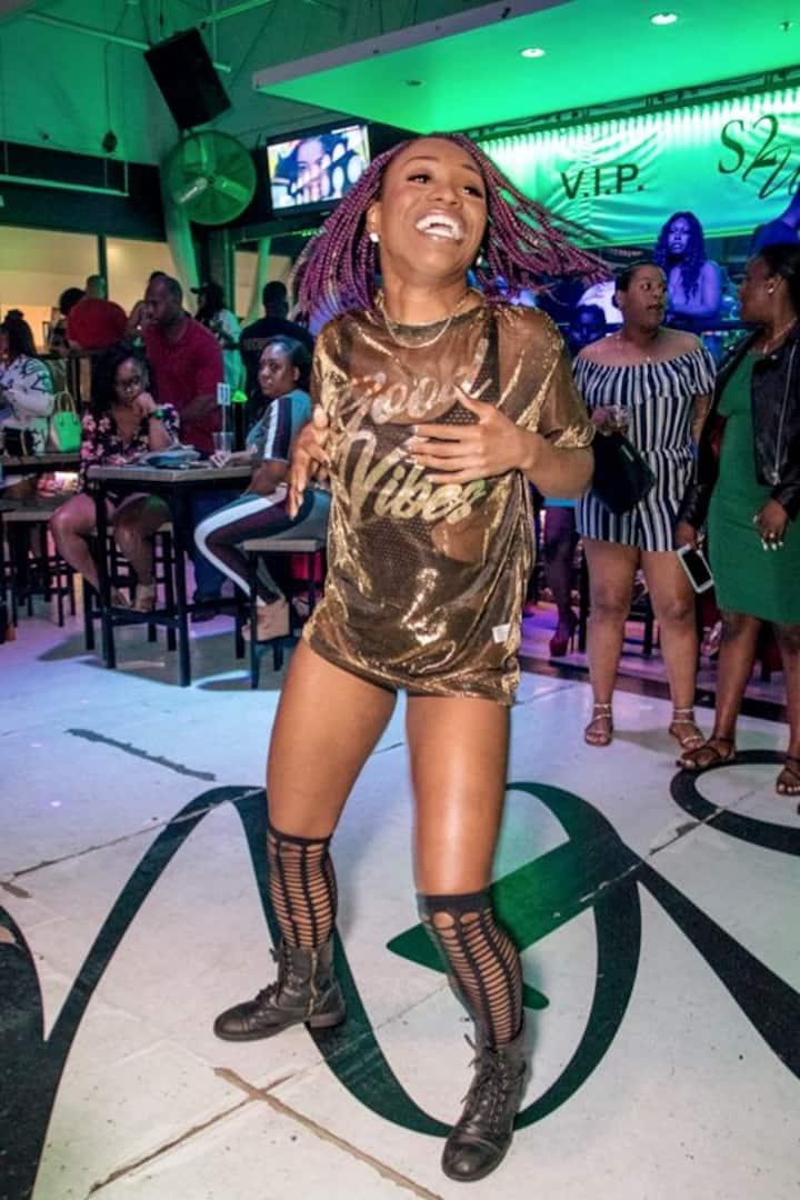 Ifoto ekwiphepha lokuqala lento enokonwatyelwa