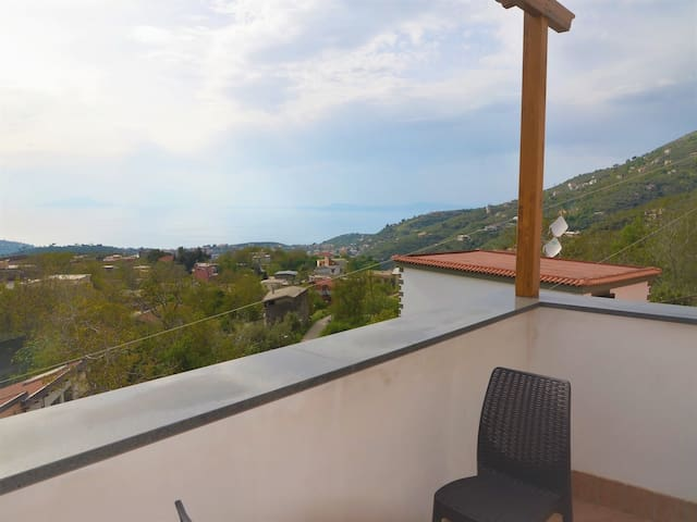 Charming 2 bedroom apartment on the Sorrento Coast