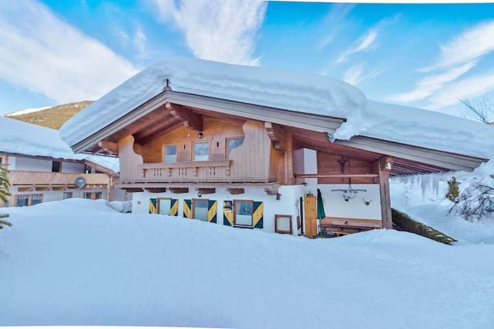 Gemütliches Ferienhaus Tirol mit Garten