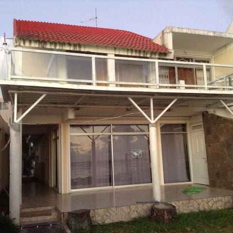 Bungalow with direct sea access - Riambel