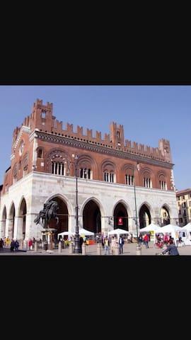 Bilocale centralissimo - Piacenza - Apartament