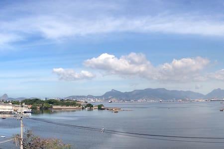 APARTAMENTO NA ILHA COM VISTA PANORAMICA - Rio de Janeiro