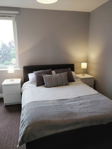Quiet Ensuite Double Room Near Hydro/SECC/BBC.
