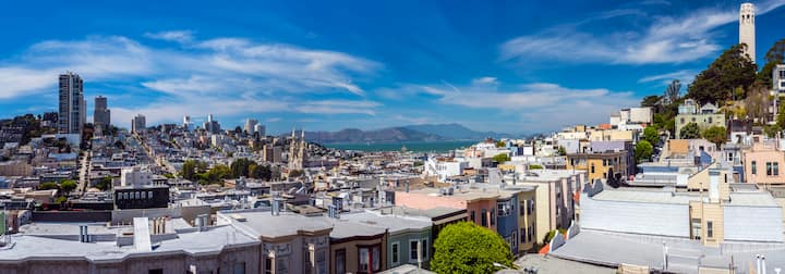 ★ Chic Condo in Heart of SF + Roof Deck & Views ★