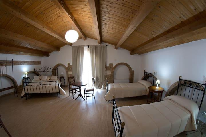 Residenza delle Grazie-Ermes - Miglionico - Bed & Breakfast
