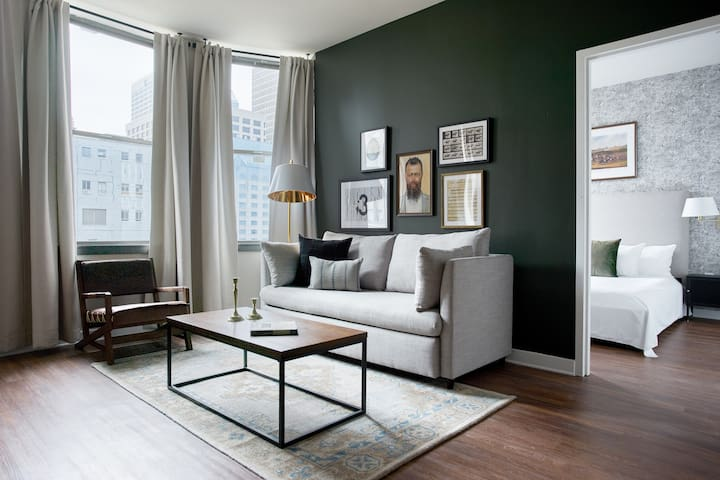 Sonder | Liberty Place | Luxe 2BR + Sleeper Sofa