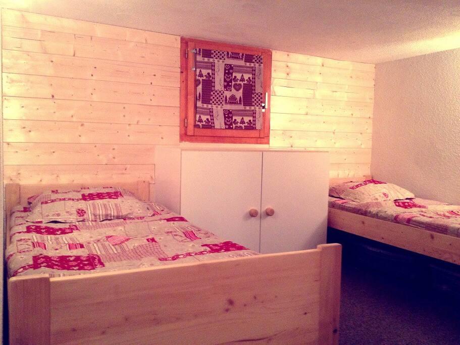 Chambre C: 2 lits simples