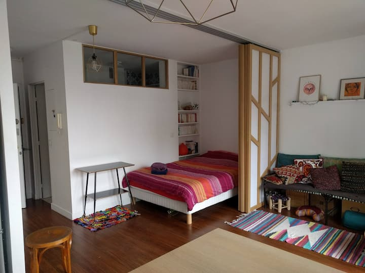 Lovely, sunny & modern flat near Buttes-Chaumont!
