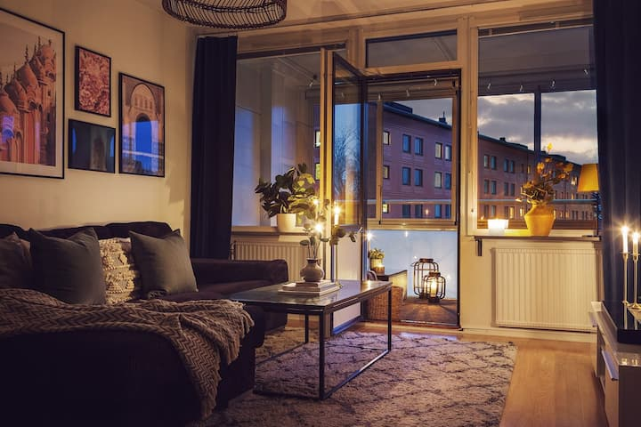 Cosy apartment with balcony close to central