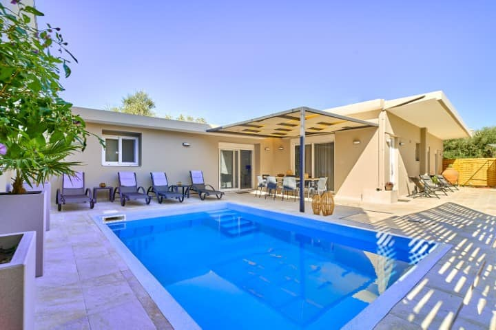Lux villa in the ♥ of Chania★Prvt Pool★Walk to all